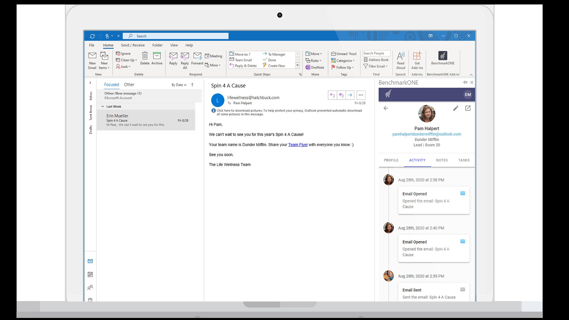 Macbook-Flat-Mockup-Outlook